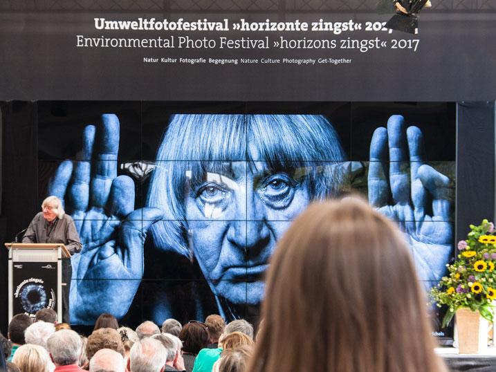 Walter Schels bei der Eröffnung
