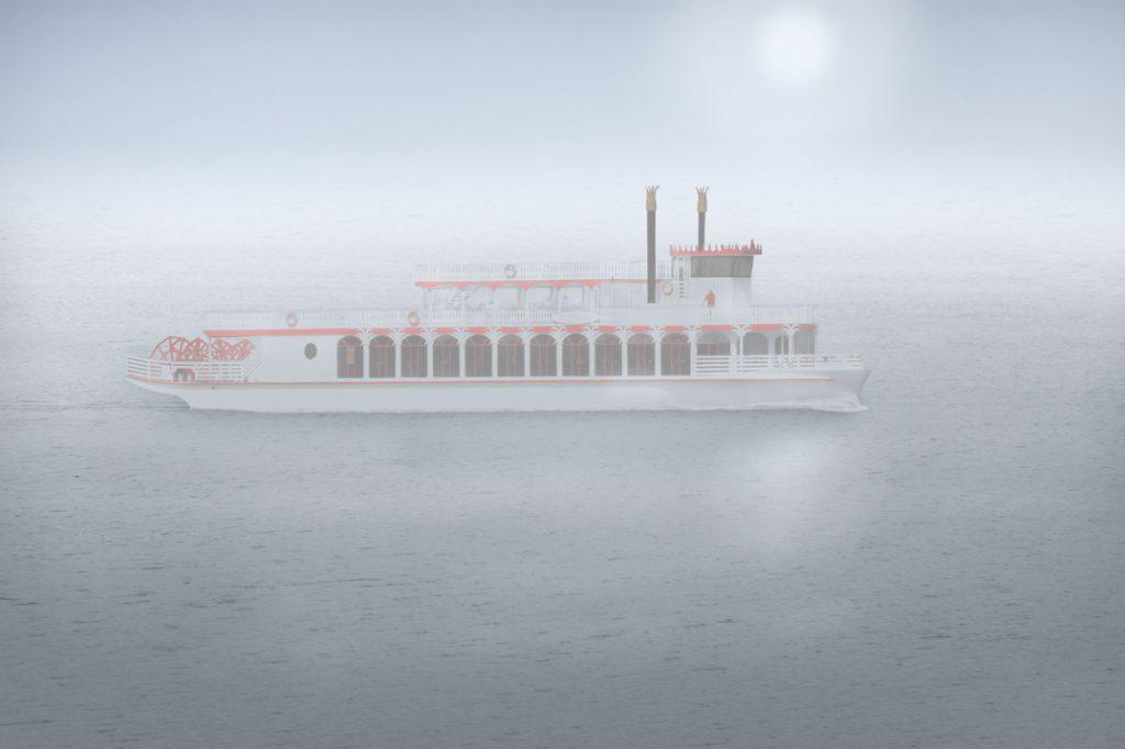 Raddampfer im Nebel / 2014